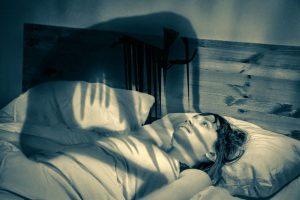 Que significa soñar que se te sube el muerto [Parálisis de sueño] 9