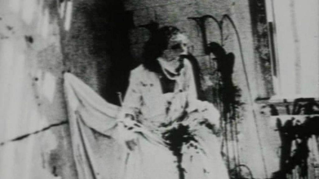 """""""Begotten"""" la película más bizarra jamás hecha 1"""