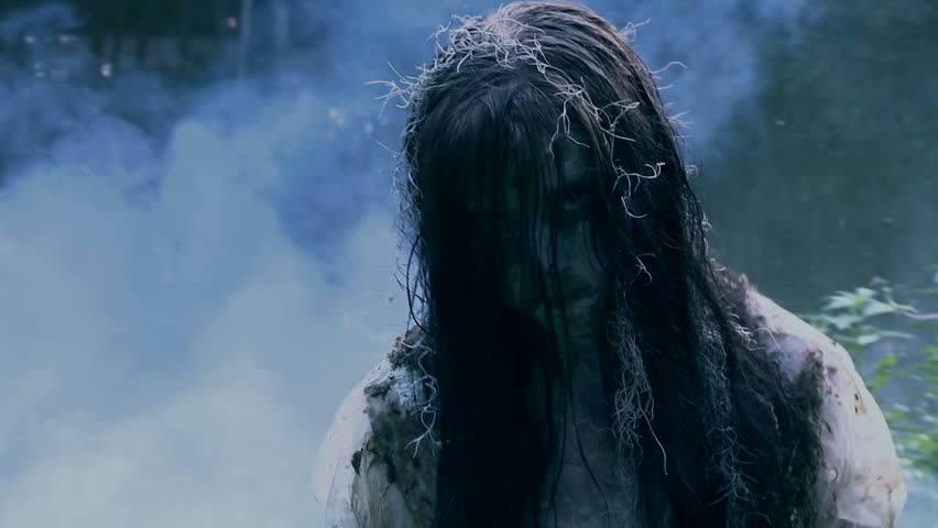 La dama de la cascada 1