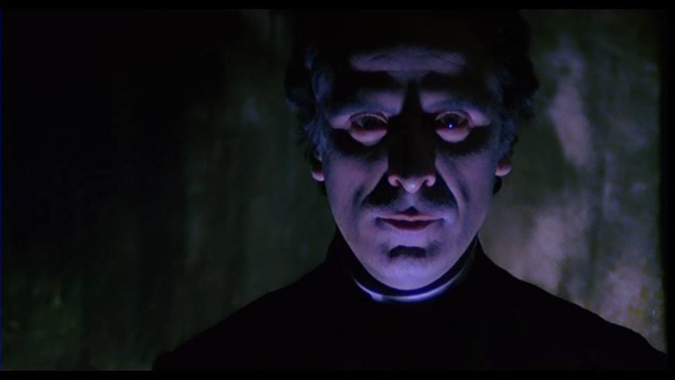 El sacerdote de los difuntos 1