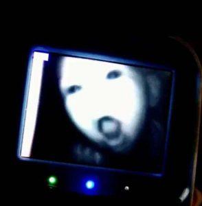 15 espeluznantes fotografías capturadas desde monitores de bebés 10