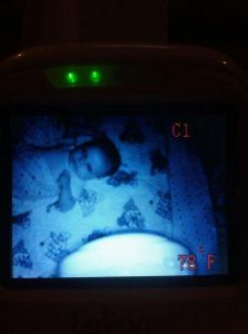 15 espeluznantes fotografías capturadas desde monitores de bebés 12