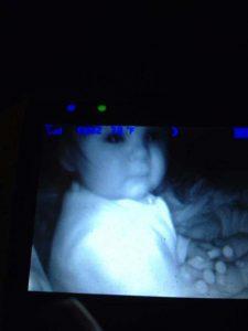 15 espeluznantes fotografías capturadas desde monitores de bebés 14