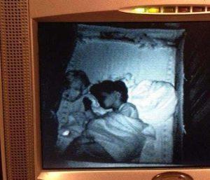 15 espeluznantes fotografías capturadas desde monitores de bebés 2